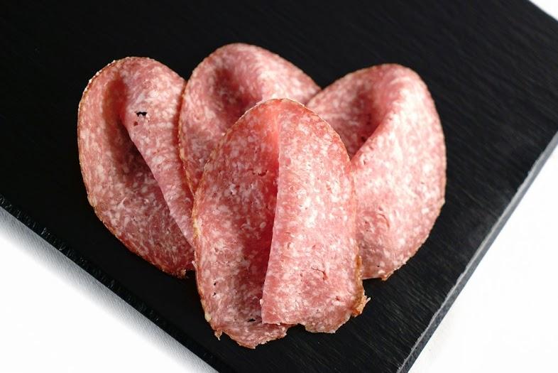 Haus-Salami (je 100g) geschnitten